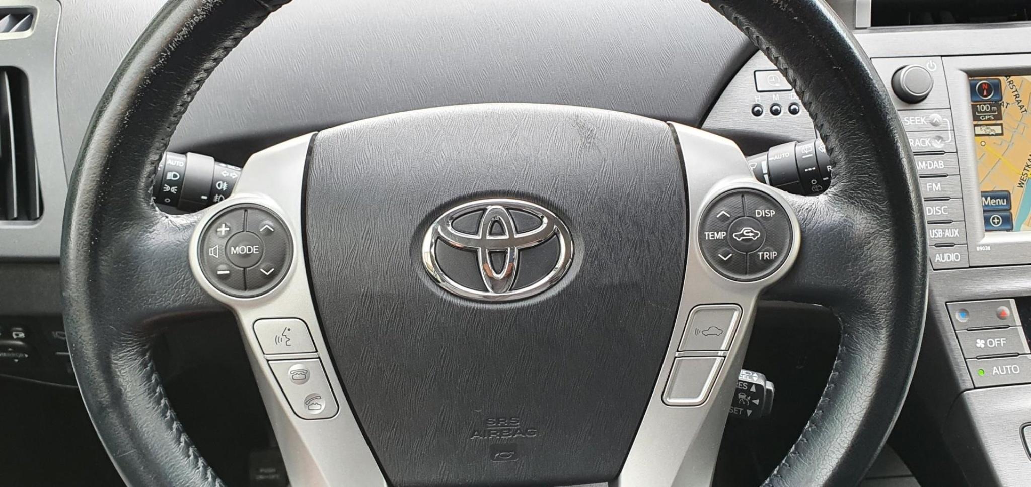 Toyota-Prius-18