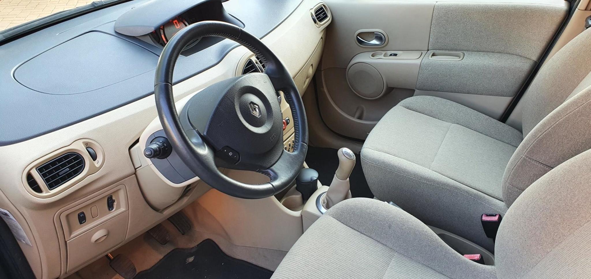 Renault-Modus-8
